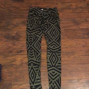 Lululemon Black & Green designed Workout Pants